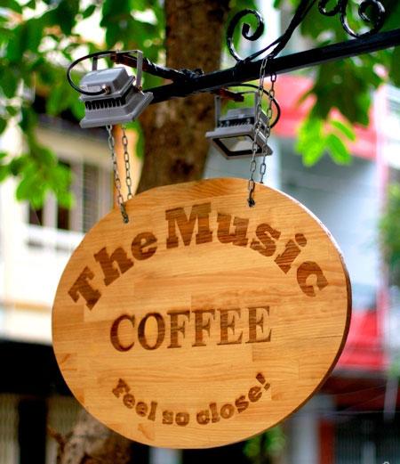 bảng hiệu gỗ đẹp quán cà phê