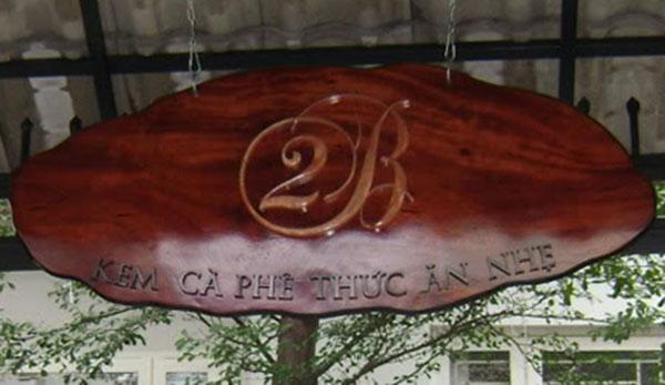 bảng hiệu gỗ tư nhiên