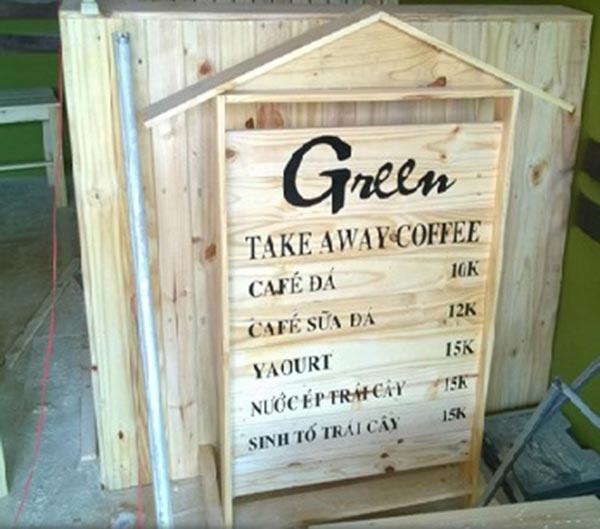 Bảng hiệu gỗ thông pallet đẹp