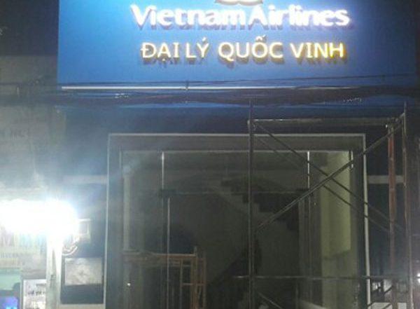 mẫu bảng hiệu đẹp cho đại lý vé máy bay