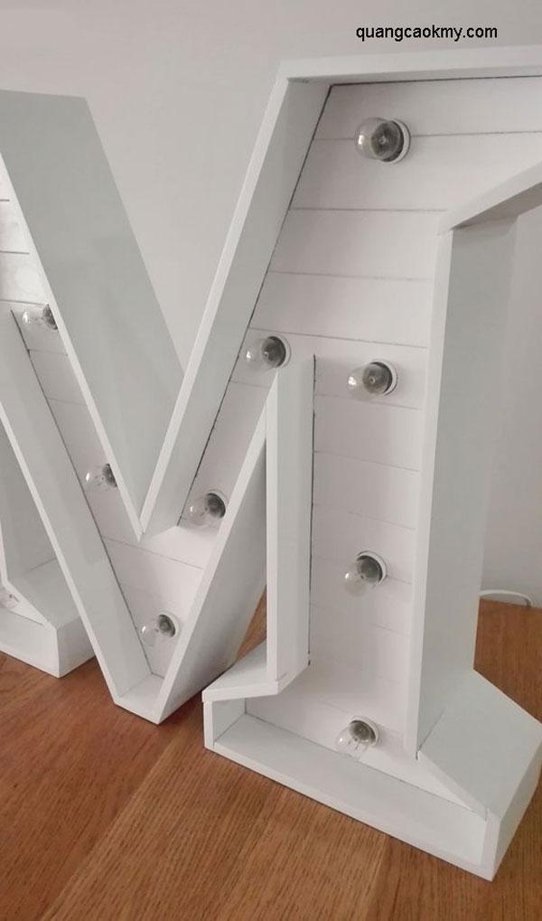 Mẫu chữ gỗ đèn led