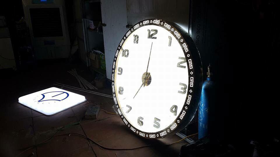 Mẫu đồng hồ đèn led đẹp